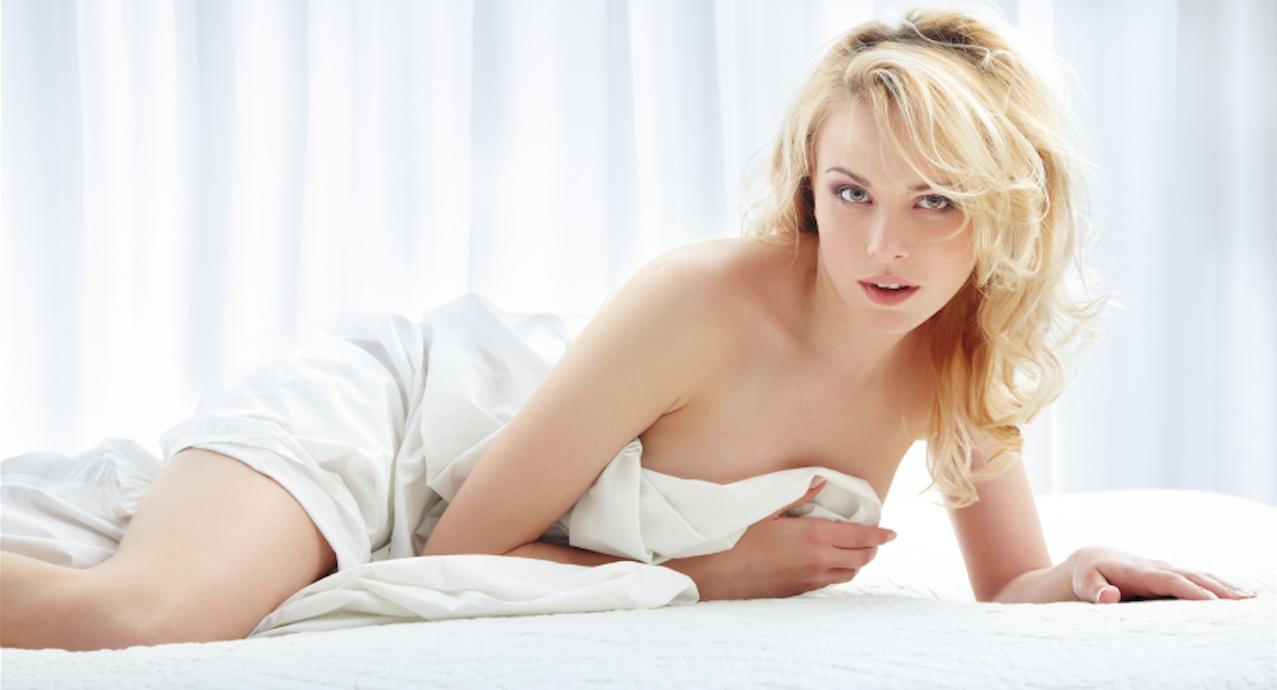 des filles sexy nue femme qui aime la baise