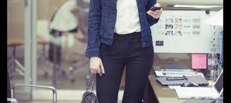 Porter une veste en jean